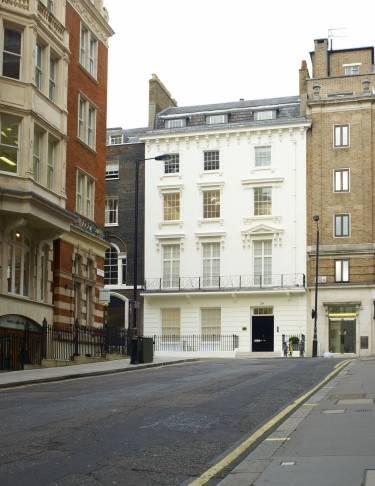 David Zwirner London, Selldof ArchitectsDavid Zwirner London - London - Exterior photo of building front - Selldorf Architects