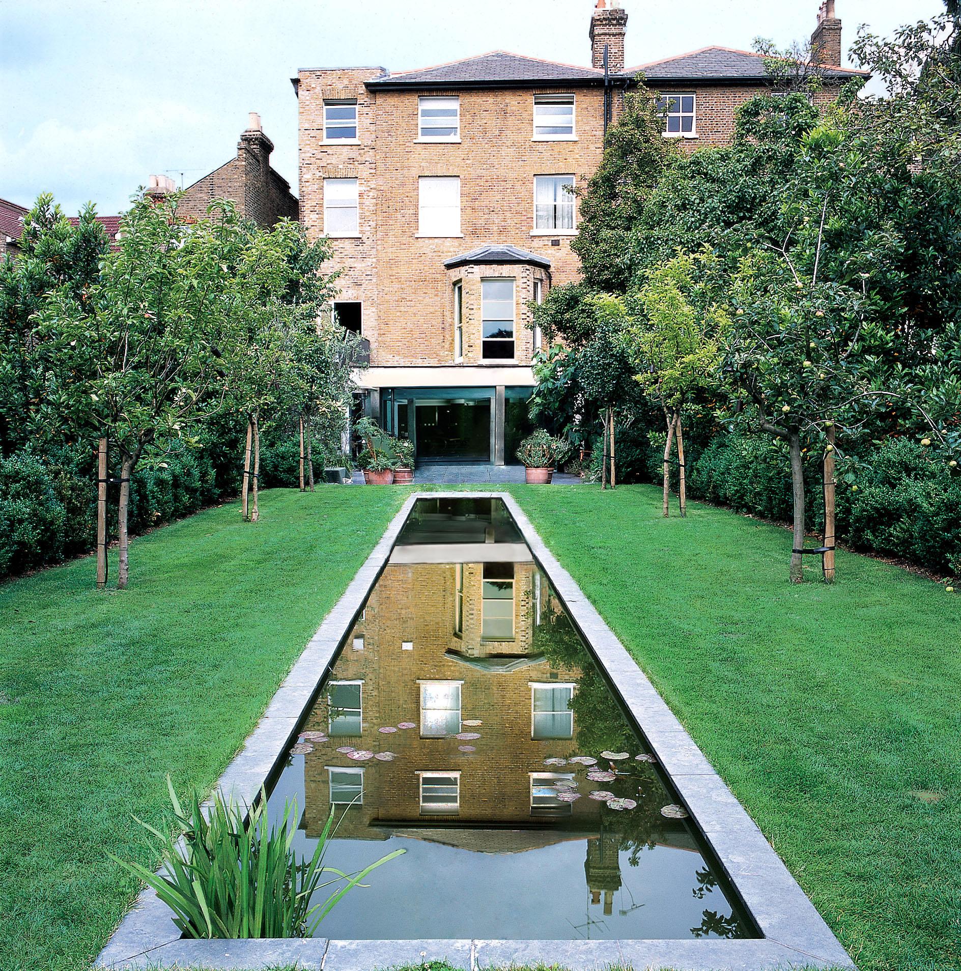 Richmond townhouse selldorf architects new york for Richmond gardens pool