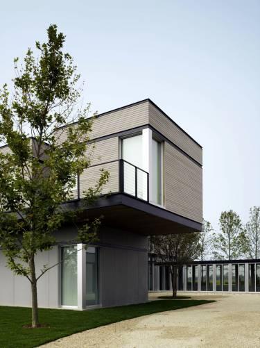 Sagaponack House - Long Island - Exterior photo of building - Selldorf Architects