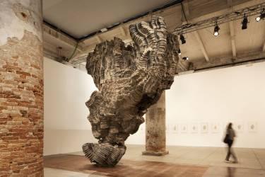 Venice Biennale - Venice - Interior photo of sculpture - Selldorf Architects