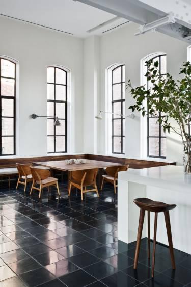 Chelsea Loft 23rd Street - New York - Interior photo of breakfast area - Selldorf Architects