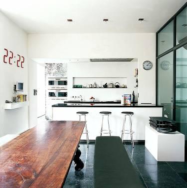 Richmond Townhouse - London - Interior photo of kitchen - Selldorf Architects