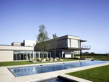 Sagaponack House - Long Island - Exterior photo of pool - Selldorf Architects