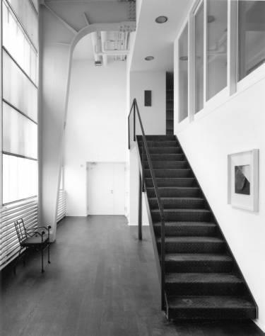Hauser & Wirth Zurich - Zurich - Interior photo of stairs - Selldorf Architects