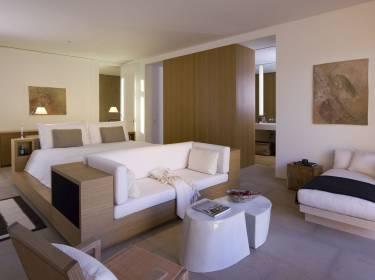 The Mesa at Amangiri - Utah - Interior photo of bedroom - Selldorf Architects