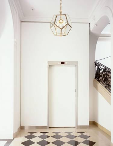 Neue Galerie - New York - Interior photo of elevator - Selldorf Architects