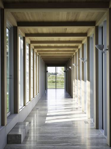 Sagaponack House - Long Island - Interior photo of walkway - Selldorf Architects