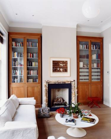 East Village Townhouse - New York - Interior photo of library - Selldorf Architects